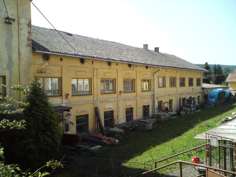 Manětín-Obecní-autor-Luděk-Gasseldorfer-srpne-2011-09