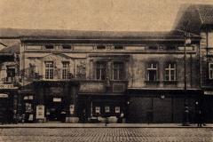Průčelí pivovaru U Bucků roku 1920